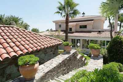 Amazing villa 500 meters from the sea in private community in Can Teixidor
